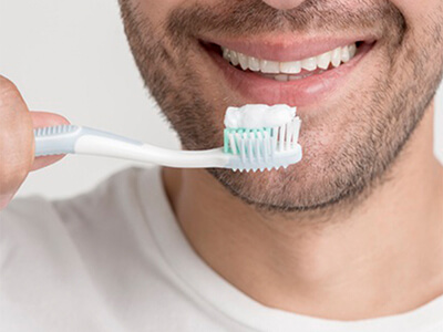 Use Floride Toothpaste